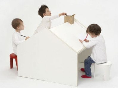 Deskhouse: Home-Shaped, Two-Sided Workspace for Kids | Designs & Ideas on Dornob | Du mobilier, ou le cahier des tendances détonantes | Scoop.it