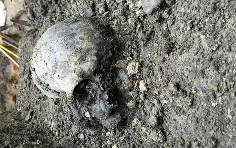 The mystery of the headless skeleton revealed by Crossrail - Telegraph.co.uk | Histoire et archéologie des Celtes, Germains et peuples du Nord | Scoop.it