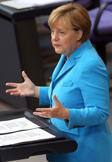 Merkel 'expects Cameron to back EU army' in exchange for renegotiation | Welfare, Disability, Politics and People's Right's | Scoop.it