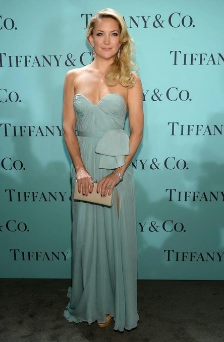 Best Of Pinterest Images: Kate Hudson: Wearing an ethereal Reem Acra dress and diamond Tiffany earrings | Celebrities Fashion | Scoop.it