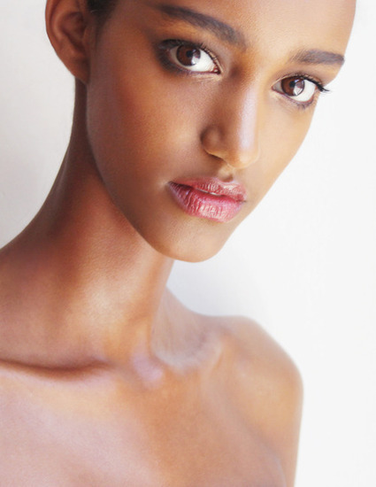 [suspended time...] Muna Mahamed (Tardja Model Management) photographed by Yorick Nubé | CHICS & FASHION | Scoop.it