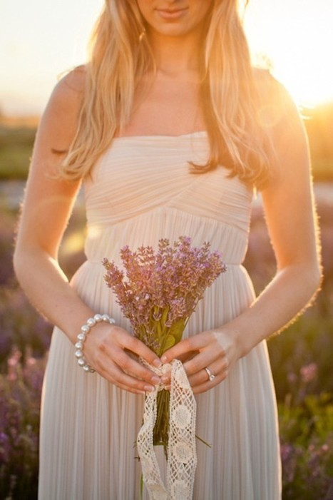 Provence-inspired Engagement Shoot in a Lavender Field   Photography   Scoop.it