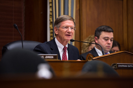 "San Antonio Express-News Won't Endorse Lamar Smith, Citing ""Bullying Tactics"" On Climate Change 
