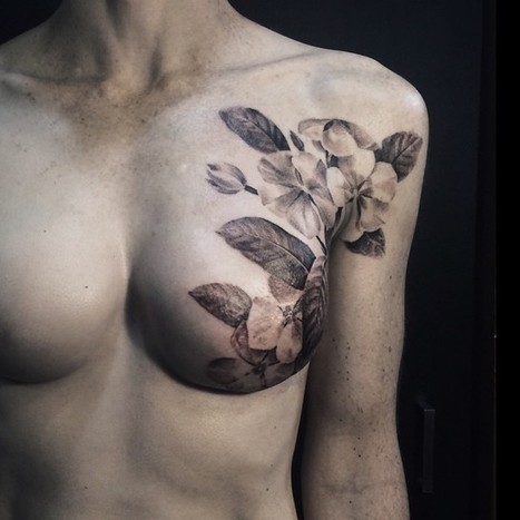 Tattoo Artist Beautifully Conceals Scars of Breast Cancer Survivors | Le It e Amo ✪ | Scoop.it