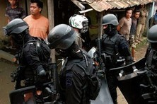 Indonesian Police Slay Suspected Bomb Plotters - Wall Street Journal- India | Scoop Indonesia | Scoop.it