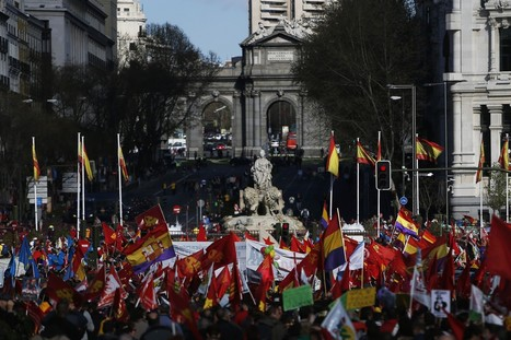 Spain anti-austerity protesters clash with police | Policing Around the Globe | Scoop.it