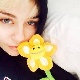 'I don't want to die a famous pop dumb-dumb' - Miley Cyrus using hospital as opportunity to educate herself - Independent.ie | Miley Cyrus | Scoop.it