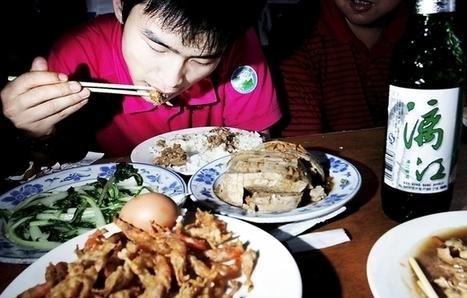 I Kina spiser de med pinde | dumdum | Scoop.it
