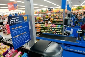 Mobile Click in Mortar: Walmart Embraces Showrooming | cross pond high tech | Scoop.it