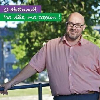 @CyrilCibert @NuitsRomanes de #VauxEnCouhé cc @poitoucharentes @JFMacaire   Chatellerault, secouez-moi, secouez-moi!   Scoop.it