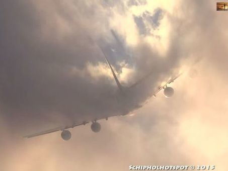 WATCH: Airbus A380 cuts through cloud | For Curious minds | Scoop.it
