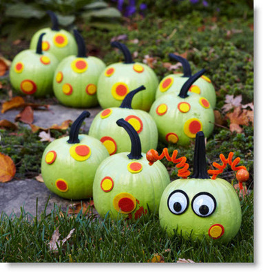 Creepy-Crawly Caterpillar Pumpkins · Felting | CraftGossip.com | Halloween & Spooky Fun Stuff~ | Scoop.it