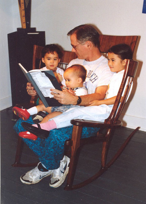 Dad Builds 3-Seat Rocking Chair for Reading with Three Kids   Le It e Amo ✪   Scoop.it