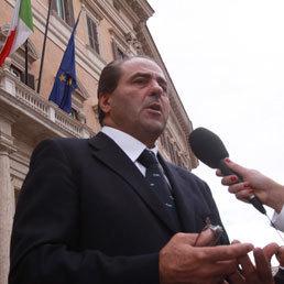 Di Pietro: serve legge Reale bis contro i violenti. E Maroni sposa la linea dell'ex pm: in arrivo nuove misure | 15 ottobre 2011 | Scoop.it
