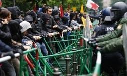 Francoforte, sfila la protesta di Blockupy. Bloccate le strade di accesso alla Bce - Repubblica.it   newpolitics   Scoop.it