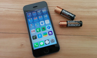 AA Battery iPhone Charger Is Perfect for Emergencies - Gotta Be Mobile | Battery Powered iphone charger | Scoop.it