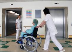 Y tras las ambulancias de pago, se confirma que las sillas de ruedas costarán 20 euros y las muletas, 30 - Diariocrítico.com | #NoCopago-Copago @NoCopago | Scoop.it