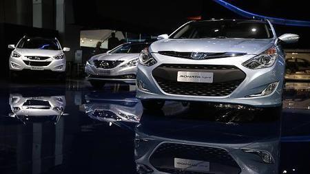 Hyundai recalls nearly 305K cars for brake light problem - CNBC | stars cars | Scoop.it