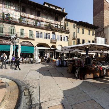 360 degrees view of Verona, Piazza Delle Erbe | Garda lake | Scoop.it