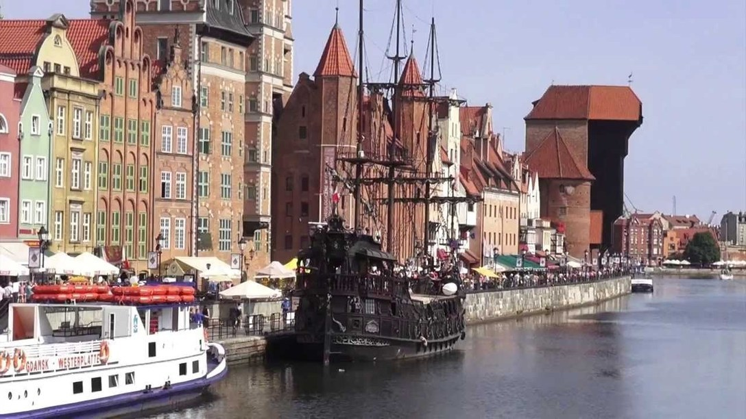 Old Town Gdansk Poland - YouTube