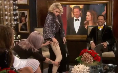 Joan Rivers Mocks, Poses Like Angelina Jolie on Fashion Police - The Hollywood Gossip | Ultratress | Scoop.it