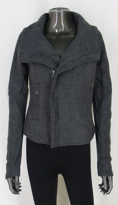 Very nice warm Jacket with zipper, and pockets. Can be worn unzipped, or zipped and folded at the top! | Women's Clothing at Bvira.com | Scoop.it