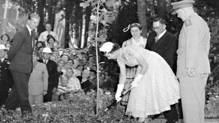 Queen Elizabeth II visits Australia - 80 Days That Changed Our Lives - ABC Archives | Queen Elizabeth II Visits Australia 1954 | Scoop.it