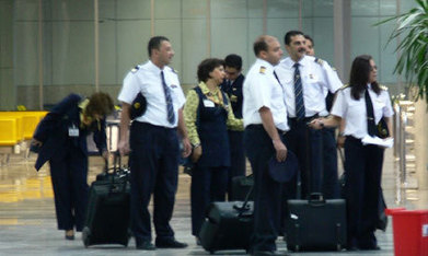 EgyptAir staff don veils, plan beards | Égypt-actus | Scoop.it