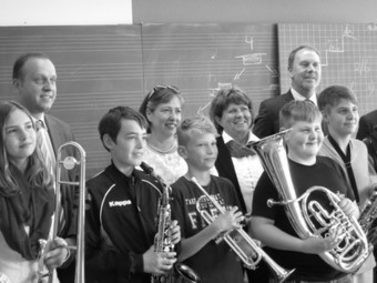 The Aquaculturists: 24/06/2015: Thank you for the music! Dr Eckel donates instruments to local secondary school | Global Aquaculture News & Events | Scoop.it
