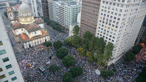 Protester Killed, Dozens Injured as Brazil Police Face Off with a Million in 100 cities | Uruguay in world cup | Scoop.it