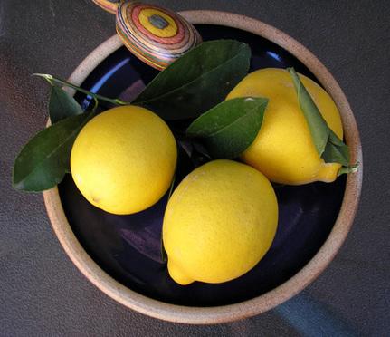 The 10 Health Benefits Of Lemons - 360CompleteLiving   Diet & Nutrition   Scoop.it