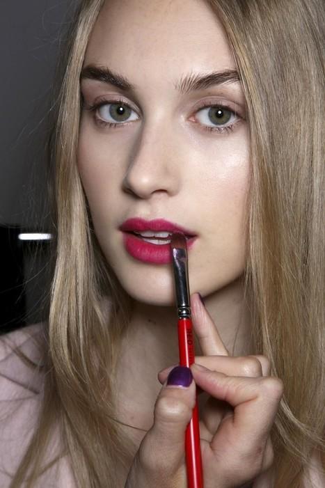 Les Automne 2015 Couleurs De Rouge à Lèvres Chaque Fille Devrait Essayer | Maquillage | Scoop.it