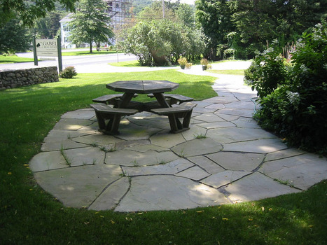 Flagstone Patio Ideas For Your House | Homes-art.com | Landscape Creative Inspiration | Scoop.it