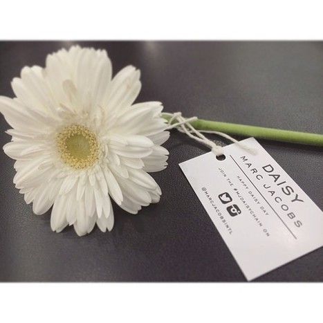 [BEAUTÉ] Marc Jacobs s'essaie au Tweet Shop #MJDaisyChain | Stratégies Marketing de l'industrie de la mode et de la beauté | Scoop.it