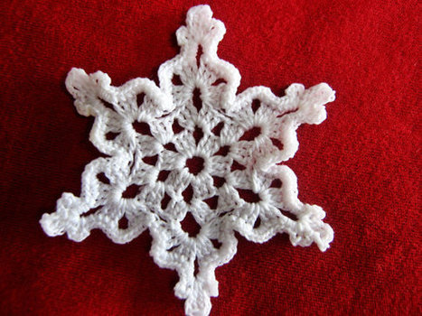 White Lace Crochet Snowflake,Christmas Decorations,Christmas Ornaments | Crochet Miracles Shop on Etsy | Scoop.it