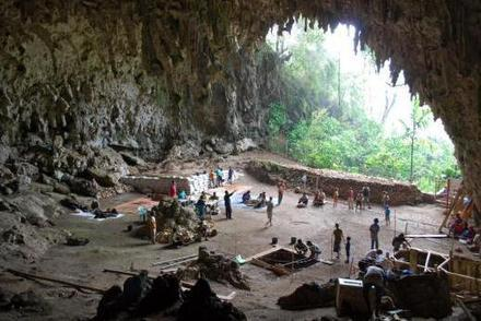 'Hobbits' on Flores, Indonesia   The Smithsonian Institution's Human Origins Program   Archaeology and the Bronze Age   Scoop.it