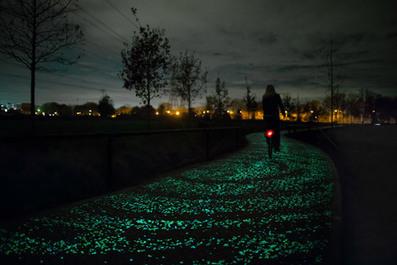 Starry Night: Glow-in-the-Dark Bike Path Inspired by Van Gogh | Social Psychology, Environnment, Design | Scoop.it