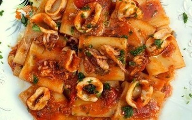 Braised squid in tomato sauce | Food and recipes | Scoop.it