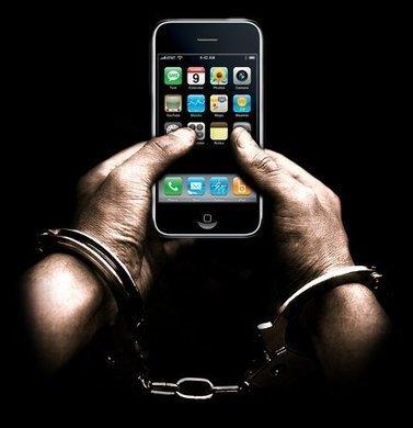 iPhone 5C et 5S : les deux nouvelles cellules de la prison (dorée) d'Apple   Notre Précieux   Scoop.it