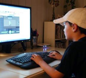 Chicago mom: Monitoring tweens online is exhausting but necessary | Children | Scoop.it