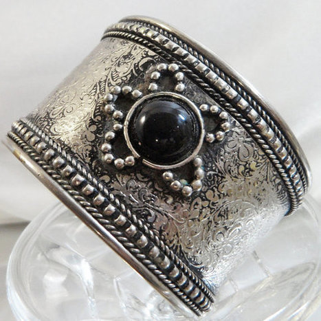 Vintage Ornate Cuff Bracelet. Silver Plated. Black Glass Star Cuff.  Intricate Etching.   I Love Vintage Jewelry   Scoop.it