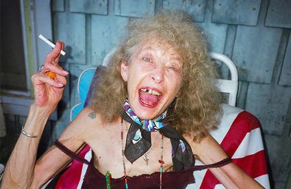 Terry Richardson poignant photos of his dying mother. R.I.P. Annie Lomax, My Mom 1938-2012 | La seconde vue via telephone sembler etre franco essor | Scoop.it