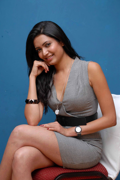Big Boss fame Karishma Tanna in Sizzling Short Skirt with Long Legs and Heels, Actress, Bollywood, Western Dresses   Indian Fashion Updates   Scoop.it