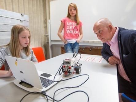 Leerlingen in Achtkarspelen werken aan hun ICT-vaardigheden - De Feanster   Programmeren voor kinderen   Scoop.it