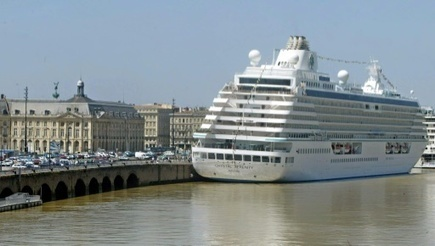 Giant cruise ship heads to Arctic on pioneering journey   News we like   Scoop.it