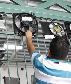 Industria automotriz frenada por falta de material y divisas - elsoldemargarita.com.ve | Influencia de las técnicas o métodos extranjeros en la optimización de elementos automotrices en México actualmente. | Scoop.it