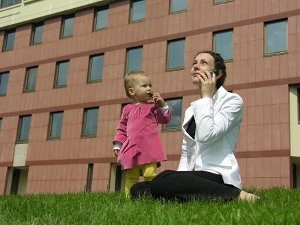 Galateo del genitore connesso. 5 comportamenti da evitare di fronte ai figli | Rischi e opportunità della vita digitale | Scoop.it