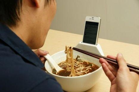 Ou comment manger en tête-à-tête avec son iPhone... | Hôpital | Scoop.it