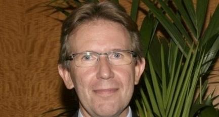 Ancien directeur d'EMLyon, Patrick Molle veut créer à Lyon... une nouvelle Ecole de Commerce | transmission, éducation, pédagogie, andragogie pour accompagner les nouvelles générations vers le monde de demain | Scoop.it