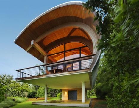 Surf & Turf: Wave-Shaped Home Lofted in FEMA Flood Zone | Rendons visibles l'architecture et les architectes | Scoop.it